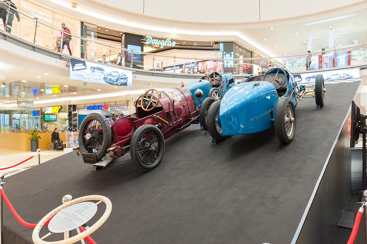 ... automobilová značka Bugatti slaví letos 110 let od svého založení a své  výročí oslaví výstavou historických vozidel s názvem Žijeme Bugatti. 108552d680